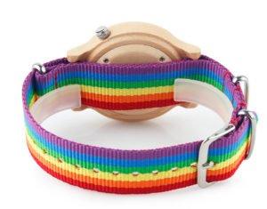 Montre LGBT cadran bois érable focus bracelet arc-en-ciel et fermoir
