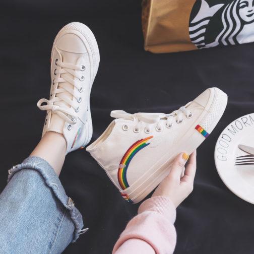 Paire chaussures blanches style converse semelle arc-en-ciel lgbt pointure 35 40