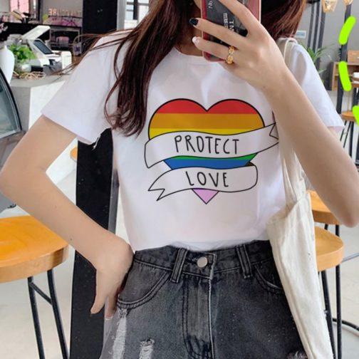 T-shirt blanc LGBT - Coeur drapeau LGBT Protect love