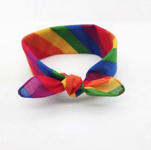 Foulard arc-en-ciel noué - Multiples bandes multicolores - drapeau LGBT - bandana LGBT