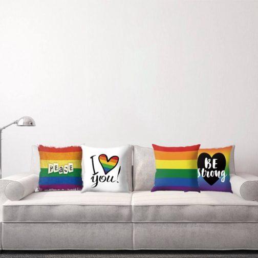 Quatre housses coussin blanche arc-en-ciel LGBT canapé- 4 modèles