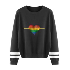 Pull LGBT manches longues noir motif coeur cardiogramme arc-en-ciel