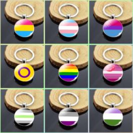 Porte-clés drapeaux des fiertés LGBTQI+ - 9 modèles