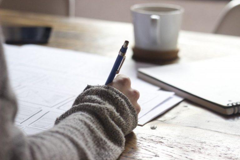 Écriture manuscrite stylo cahier carnet