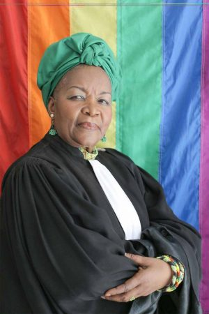 Alice Nkom activite LGBTQI+ Camerounaise Drapeau LGBT arc-en-ciel