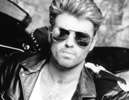 George Michael Freedom lunettes soleil noires tenue cuir