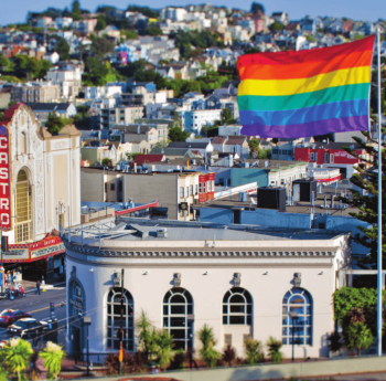 Photo Harvey Milk Plaza San Fransisco drapeau arc-en-ciel personnes LGBTQI+