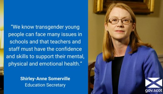 Shirley-Anne Somerville, Education Secretary d'Écosse jeunes trans